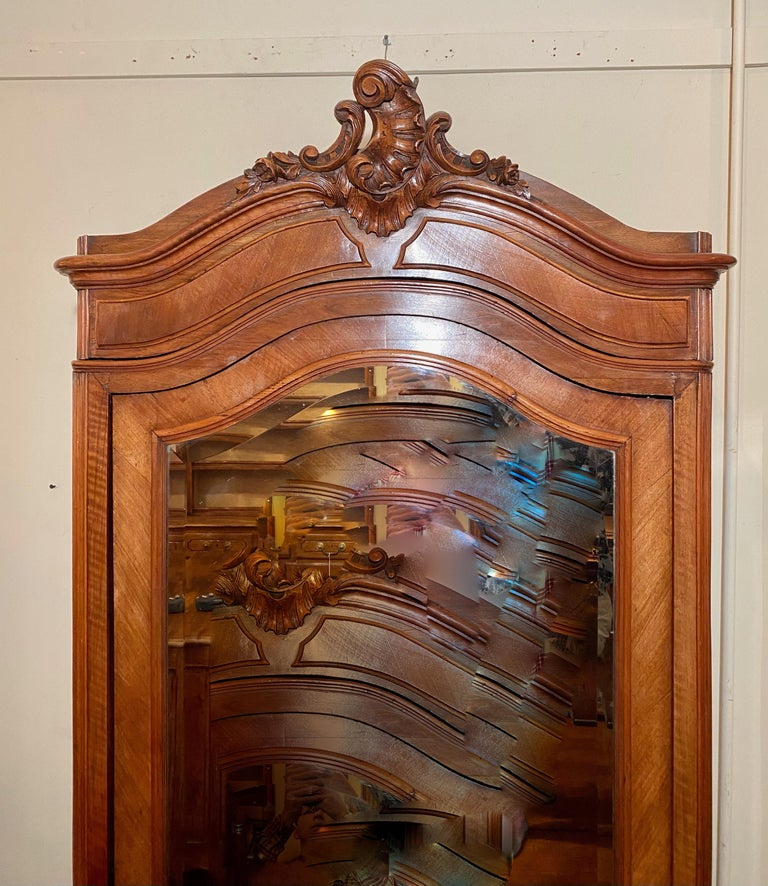 Antique French Walnut Beveled Mirror Armoire, circa 1900 In Good Condition For Sale In New Orleans, LA