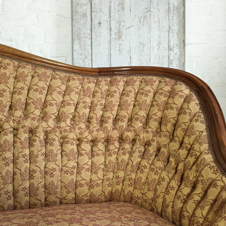Antique French Walnut Settee, circa 1890s In Good Condition For Sale In Hastings, GB