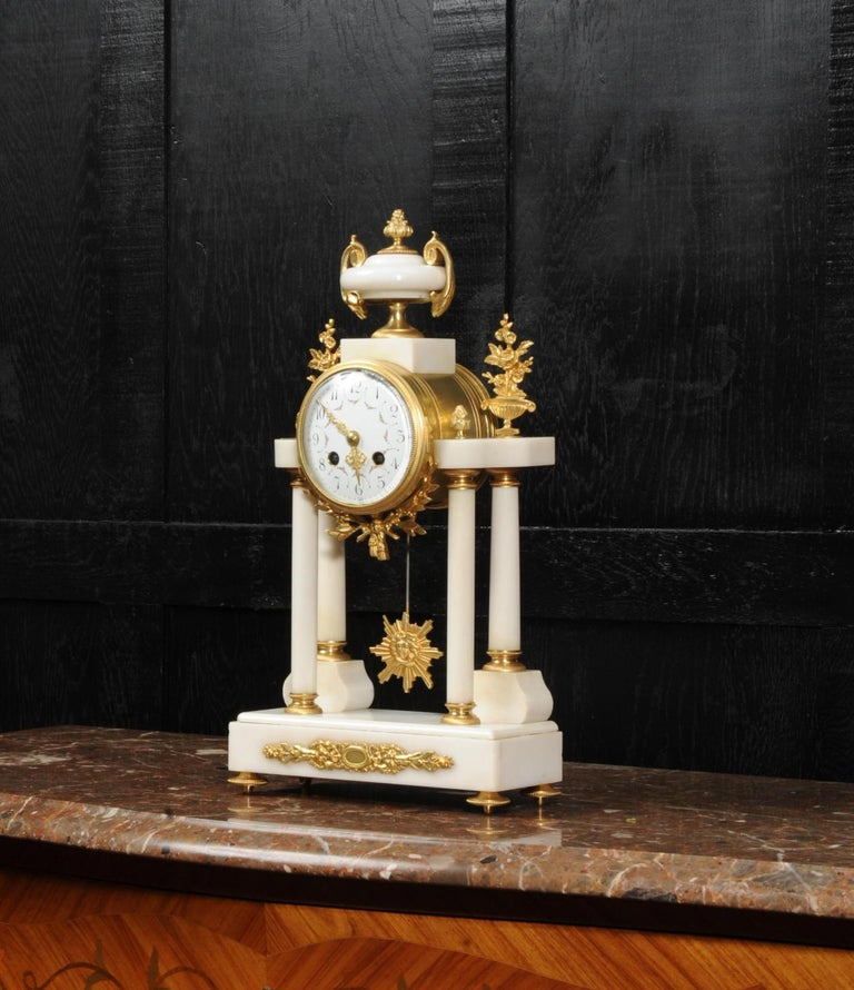 Antique French White Marble and Ormolu Portico Clock In Good Condition For Sale In Belper, Derbyshire