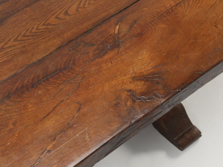 Antique French White Oak trestle Dining Table in Beautiful Original Condition In Good Condition In Chicago, IL