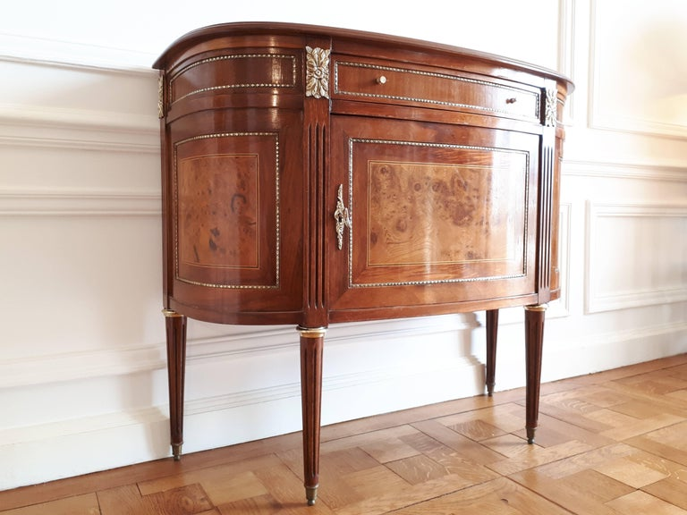 Antique French, Louis XVI Style Chest of Drawers Commode Buffet Marquetry For Sale 4