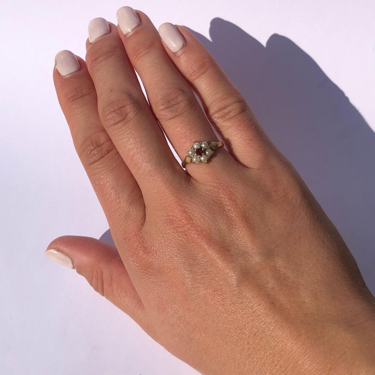 Antique Garnet and Pearl 9 Carat Gold Cluster Ring In Good Condition For Sale In Chipping Campden, GB
