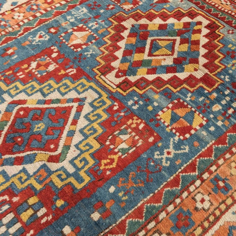 Antique Gendge Rug of 1900, Made in Wool, Classic Geometrical Figures In Excellent Condition For Sale In MADRID, ES