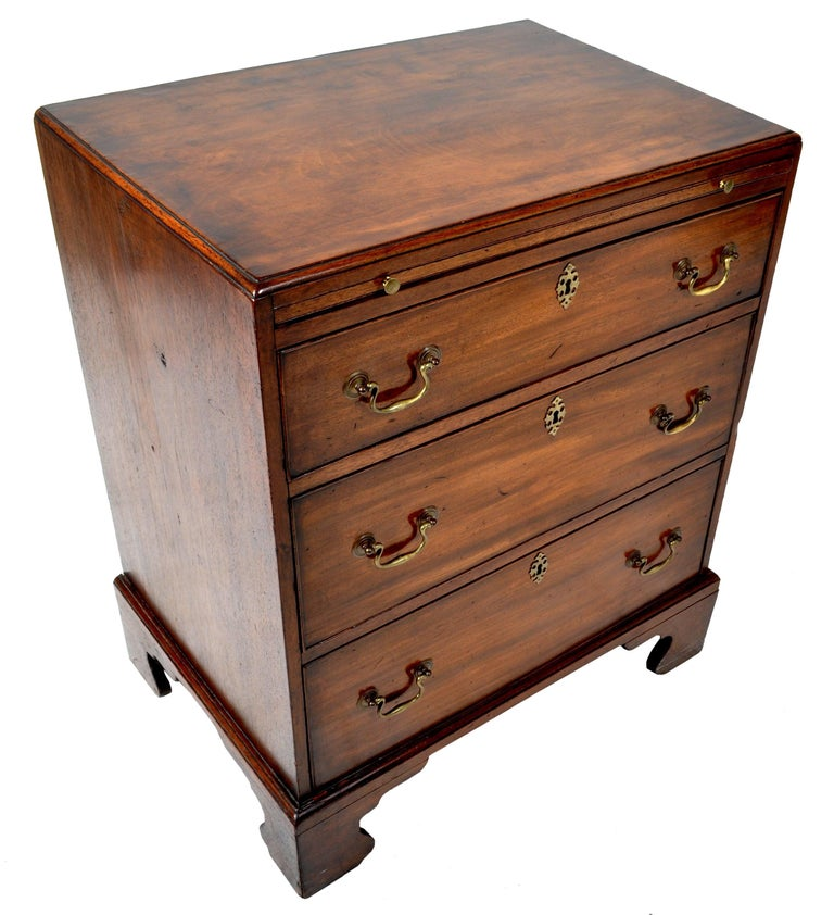 George III Antique Gentleman's Bachelor's Georgian Mahogany Chest of Drawers, circa 1760 For Sale