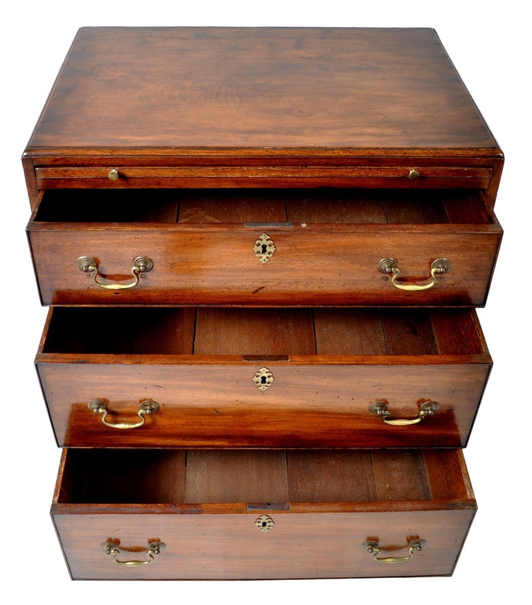 18th Century Antique Gentleman's Bachelor's Georgian Mahogany Chest of Drawers, circa 1760 For Sale