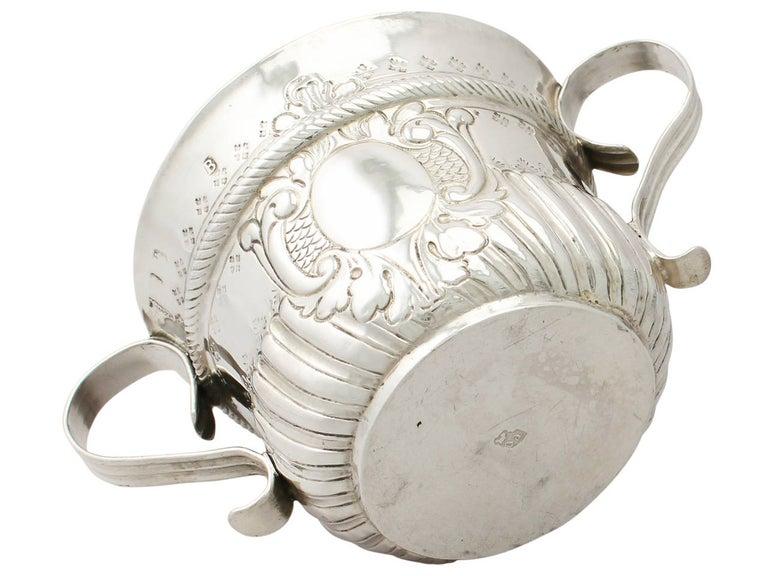 Early 18th Century Antique George I 1717 Britannia Standard Silver Porringer For Sale