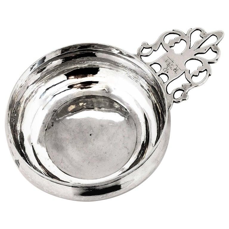 Antique George I Sterling Silver Porringer / Bleeding Bowl 1717 For Sale