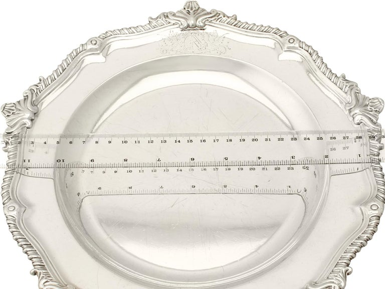 Antique George II Set of Three Sterling Silver Dinner Plates For Sale 6
