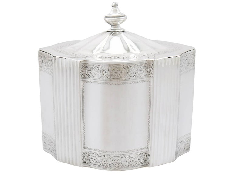 Antique George III 1790s Sterling Silver Locking Tea Caddy In Excellent Condition For Sale In Jesmond, Newcastle Upon Tyne