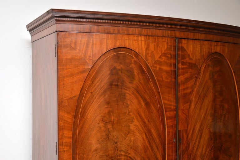 Antique George III Bow Fronted Linen Press For Sale 1