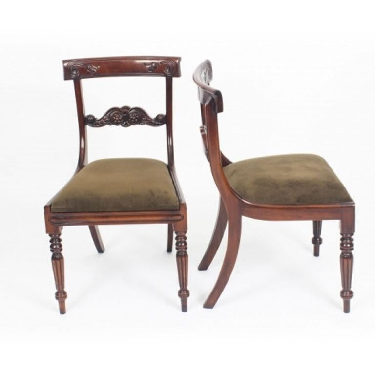 George III Regency Dining Table 19th Century with 8 Bespoke Dining Chairs For Sale 7