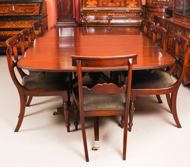 English George III Regency Dining Table 19th Century with 8 Bespoke Dining Chairs For Sale