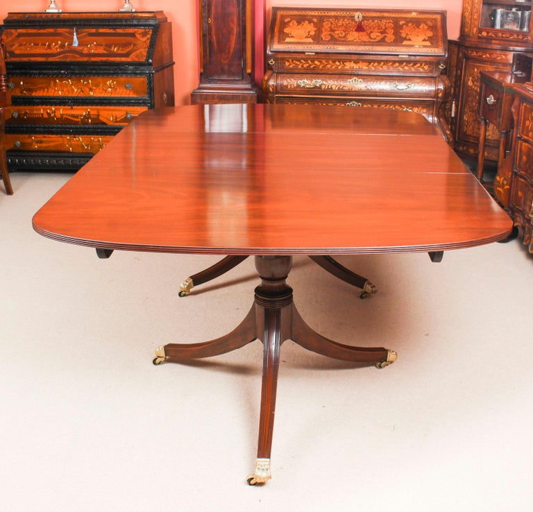 Mahogany George III Regency Dining Table 19th Century with 8 Bespoke Dining Chairs For Sale