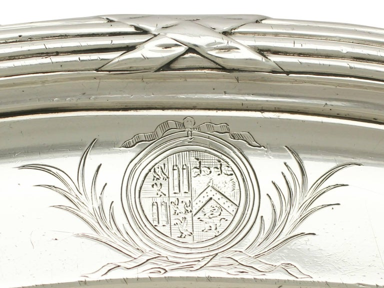 Antique George III Sterling Silver Meat Platter In Excellent Condition For Sale In Jesmond, Newcastle Upon Tyne