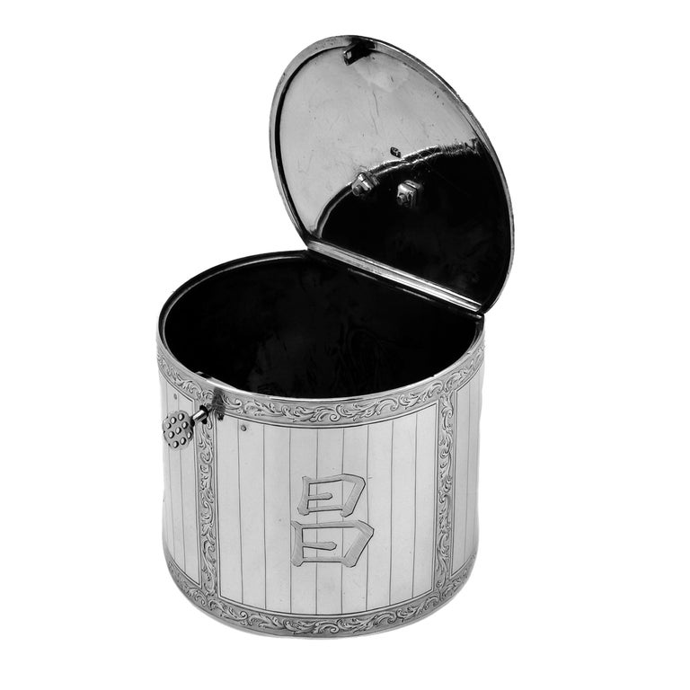 Antique Georgian Sterling Silver Tea Caddy Box 1763 Chinoiserie In Good Condition For Sale In London, GB