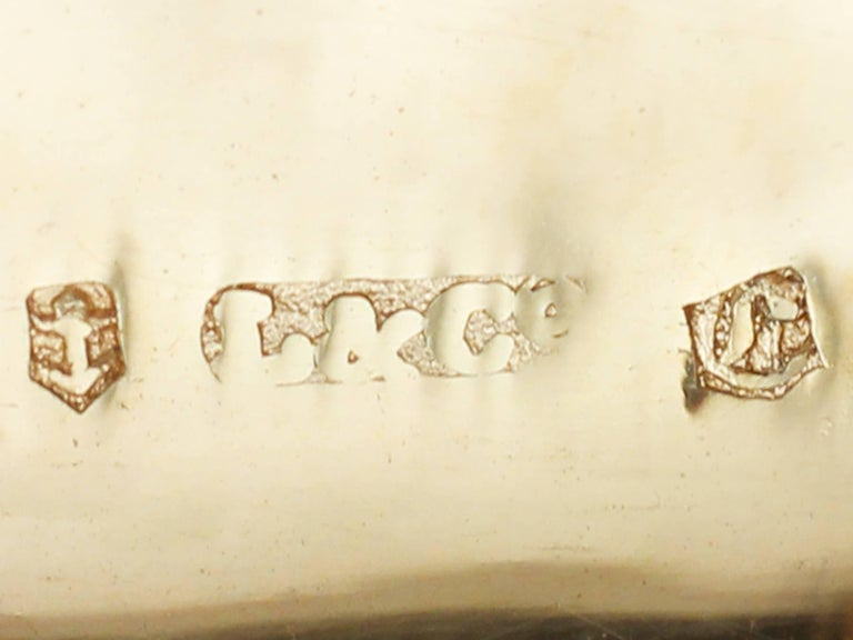 Antique George IV Sterling Silver 'Purse' Vinaigrette For Sale 2