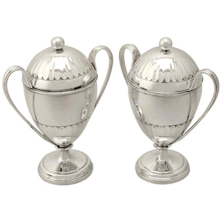 Antique George V Pair of Sterling Silver Preserve Pots by the Pairpoint Brothers For Sale