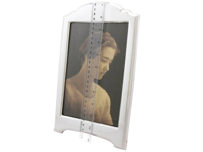 1916 Antique George V Sterling Silver Photograph Frame For Sale 4