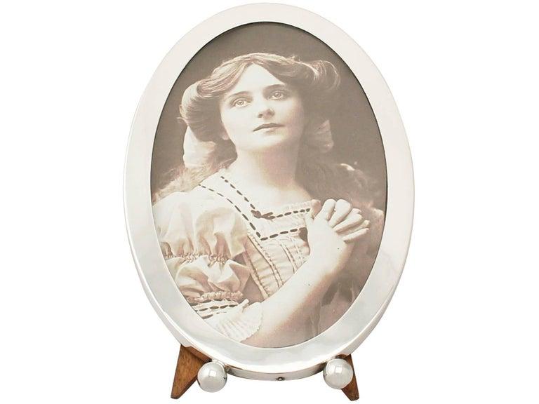 Oak Antique George V Sterling Silver Photograph Frame For Sale
