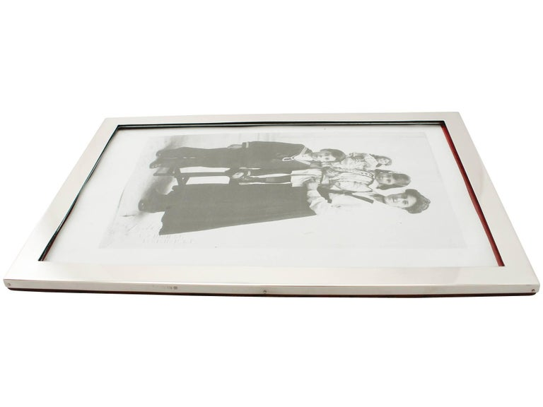 20th Century Antique George V Sterling Silver Photograph Frame For Sale 1