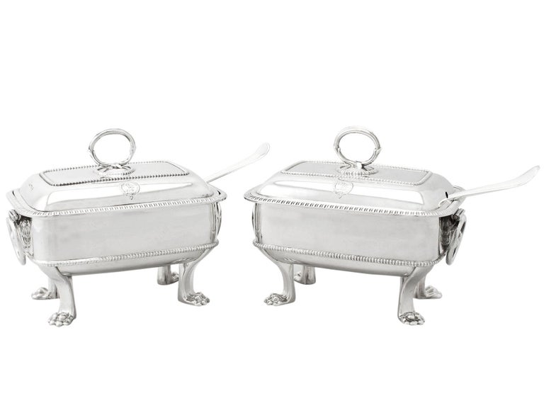 Antique Georgian English Sterling Silver Sauce Tureens with Ladles For Sale