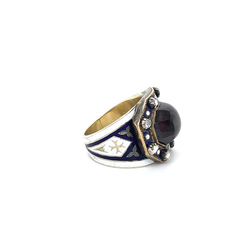 Antique Georgian Garnet 18 Karat Gold Enamel Memorial Ring In Good Condition For Sale In New York, NY