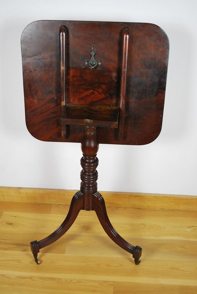 Antique Georgian Gillows Tripod/ Occasional Table  In Good Condition For Sale In Winchcombe, Gloucesteshire