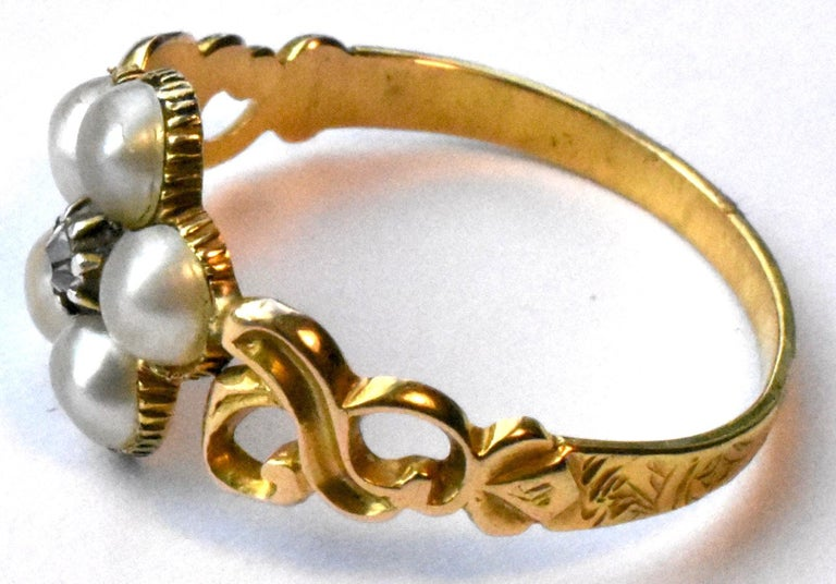 Antique Georgian Gold, Pearl and Diamond Forget-Me-Not Ring, circa 1840 For Sale 2