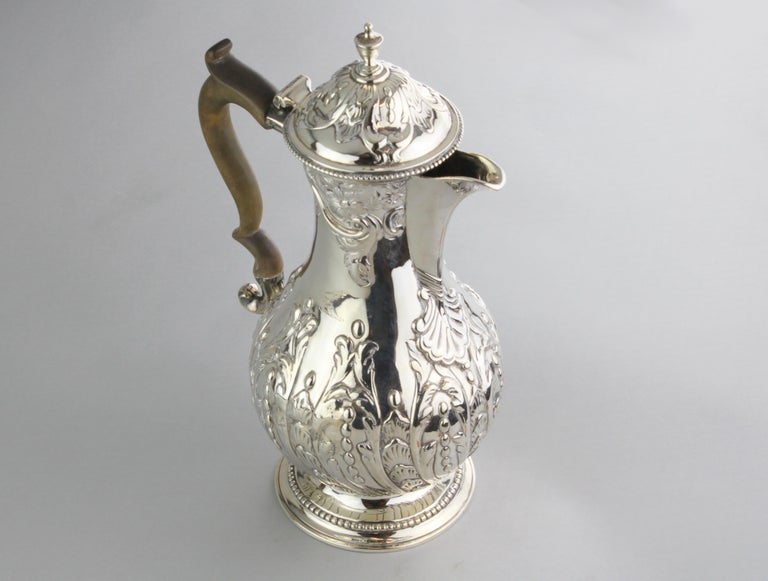 Antique Georgian III sterling silver tea pot.