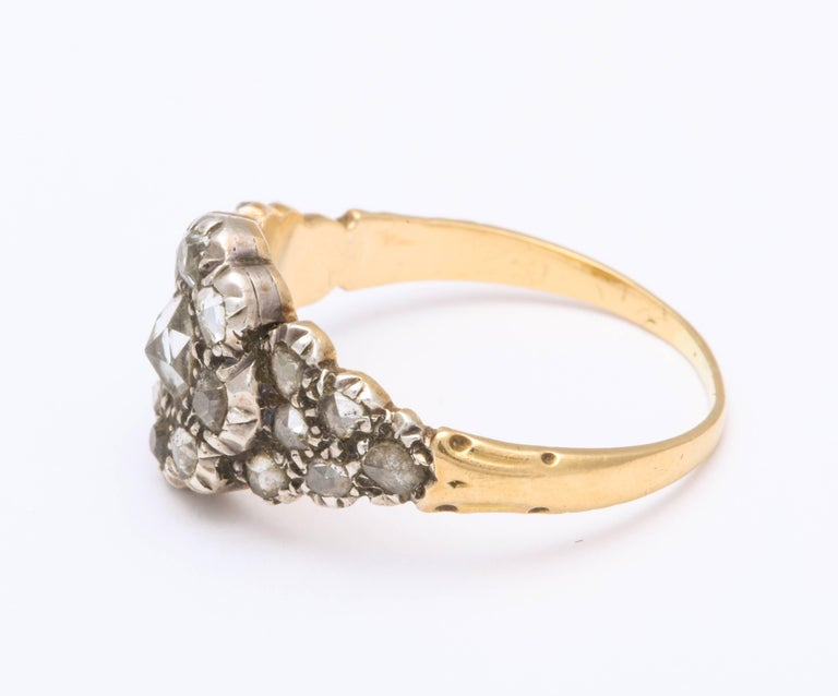 Antique Georgian Ladies Diamond Cluster Ring In Excellent Condition For Sale In Stamford, CT