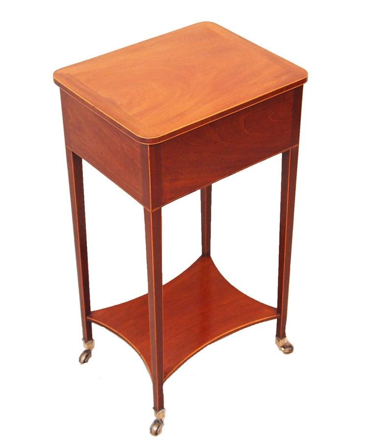 English Mahogany 18th Century Georgian Antique Lamp Table For Sale