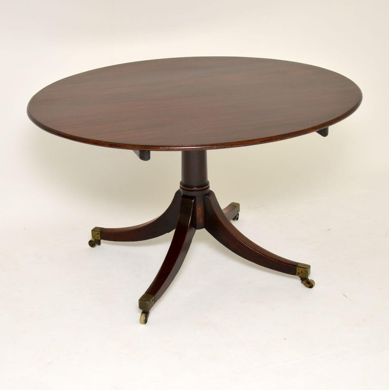 Antique Georgian Mahogany Tilt Top Dining Table In Good Condition In London, GB