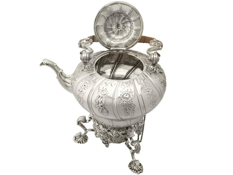 Antique Georgian Sterling Silver Spirit Kettle by William Grundy In Excellent Condition In Jesmond, Newcastle Upon Tyne