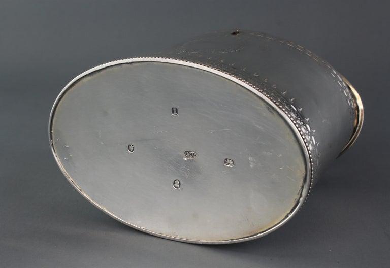 Late 18th Century Antique Georgian Sterling Silver Tea Caddy, Hester Bateman, London, 1784 For Sale