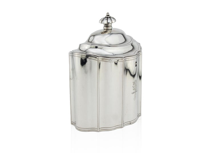 Antique Georgian sterling silver tea caddy with coat of arms, fantastic quality and pristine condition for it's age. Made in London 1796 Maker: Peter & Ann Bateman  Fully hallmarked.  Dimensions: Size: 14.6 x 10.9 x 17 cm Weight: 432