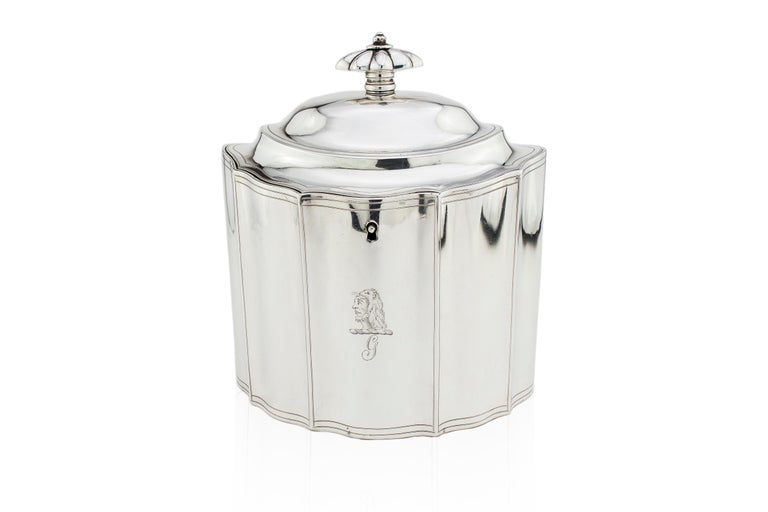 George III Antique Georgian Sterling Silver Tea Caddy with Coat of Arms, London, 1796 For Sale
