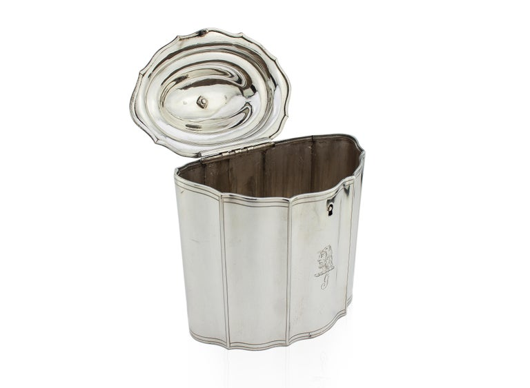 British Antique Georgian Sterling Silver Tea Caddy with Coat of Arms, London, 1796 For Sale