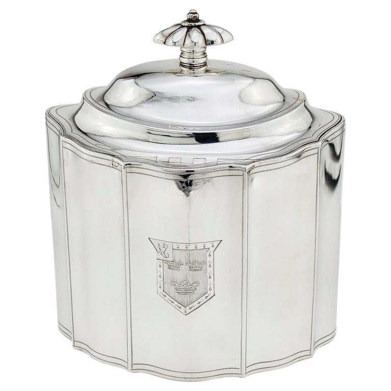 Antique Georgian Sterling Silver Tea Caddy with Coat of Arms, London, 1796 For Sale
