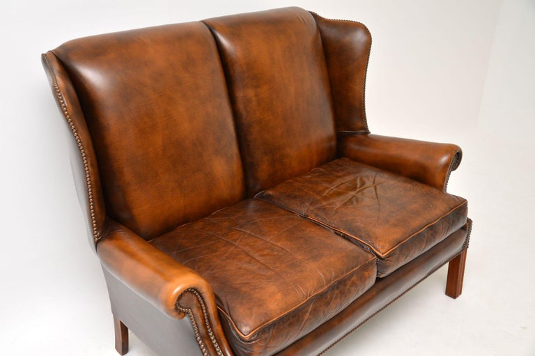 Antique Georgian Style Leather Wing Back Sofa In Good Condition For Sale In London, GB