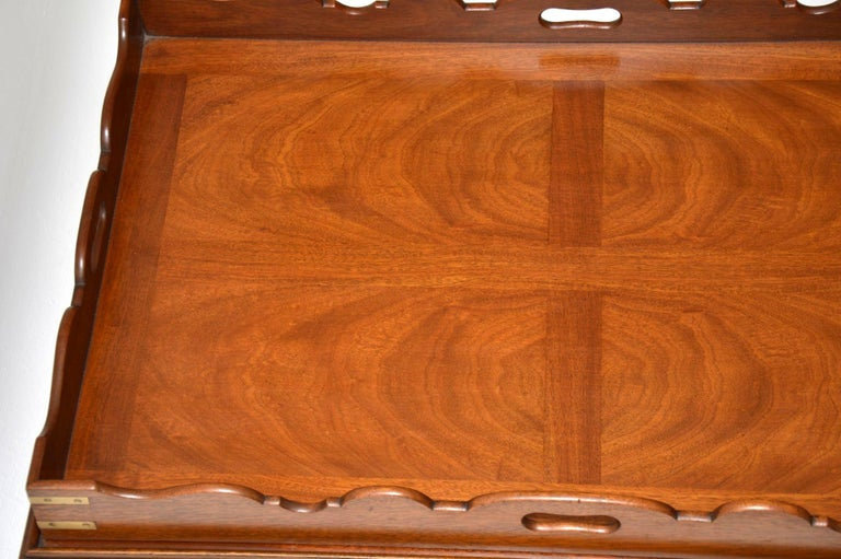 Antique Georgian Style Mahogany Tray Top Coffee Table In Good Condition For Sale In London, GB