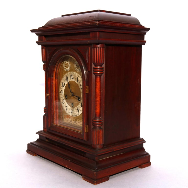Antique German Junghan Carved Mahogany Bracket Clock, circa 1910 In Good Condition For Sale In Big Flats, NY