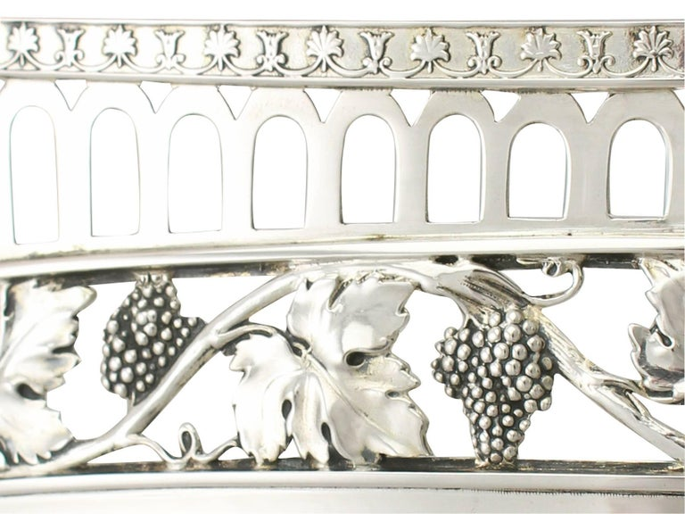 Antique German Silver Bread Dish by Bruckmann & Söhne, circa 1910 For Sale 3