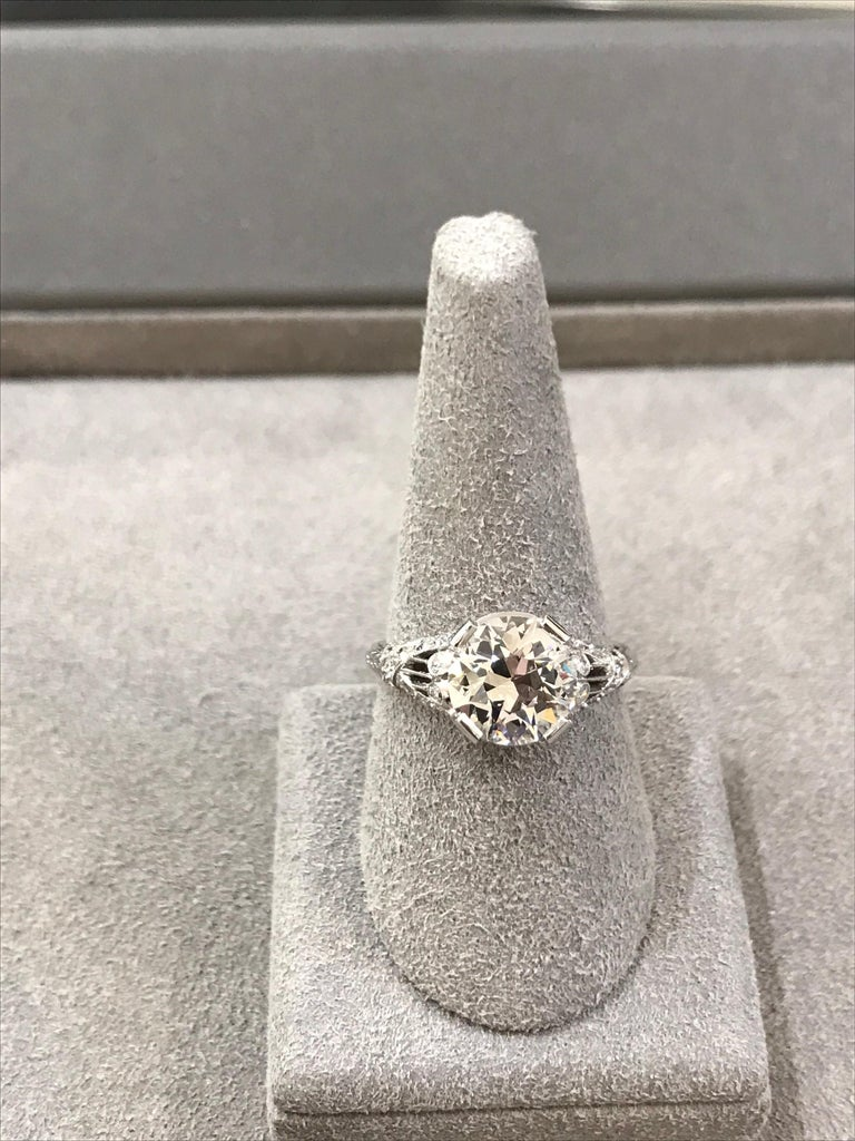 Women's Antique GIA Certified Diamond Platinum Ring For Sale