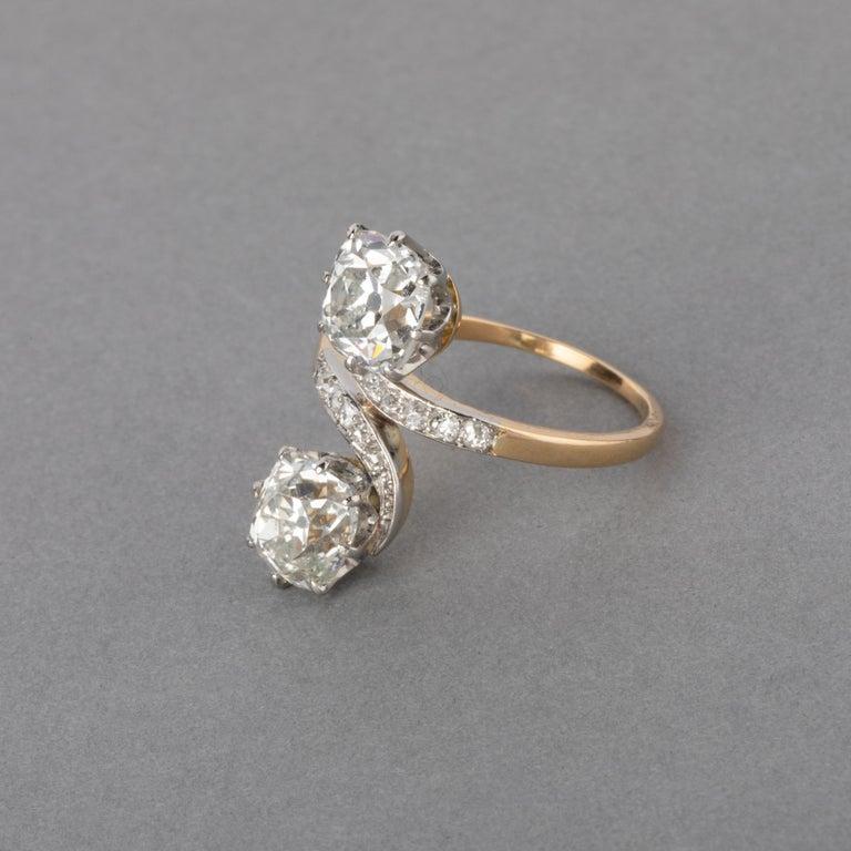 Belle Époque Antique Gold and 3.30 Carat Diamonds French Toi et Moi Ring For Sale