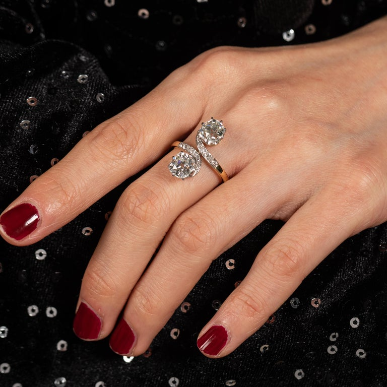 Women's Antique Gold and 3.30 Carat Diamonds French Toi et Moi Ring For Sale