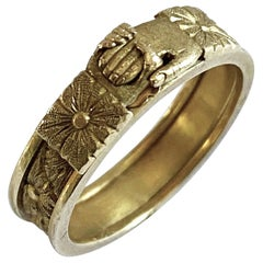 Antique Gold Clasping Hands Love Marriage Ring