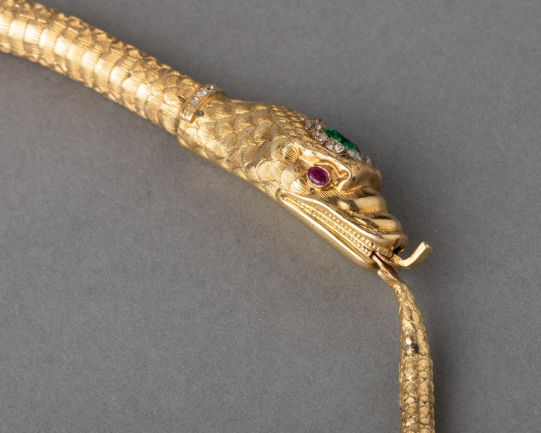 Antique Gold Emerald and Diamonds Snake Necklace In Good Condition For Sale In Saint-Ouen, FR
