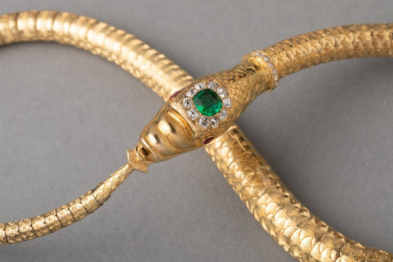 Antique Gold Emerald and Diamonds Snake Necklace For Sale 2