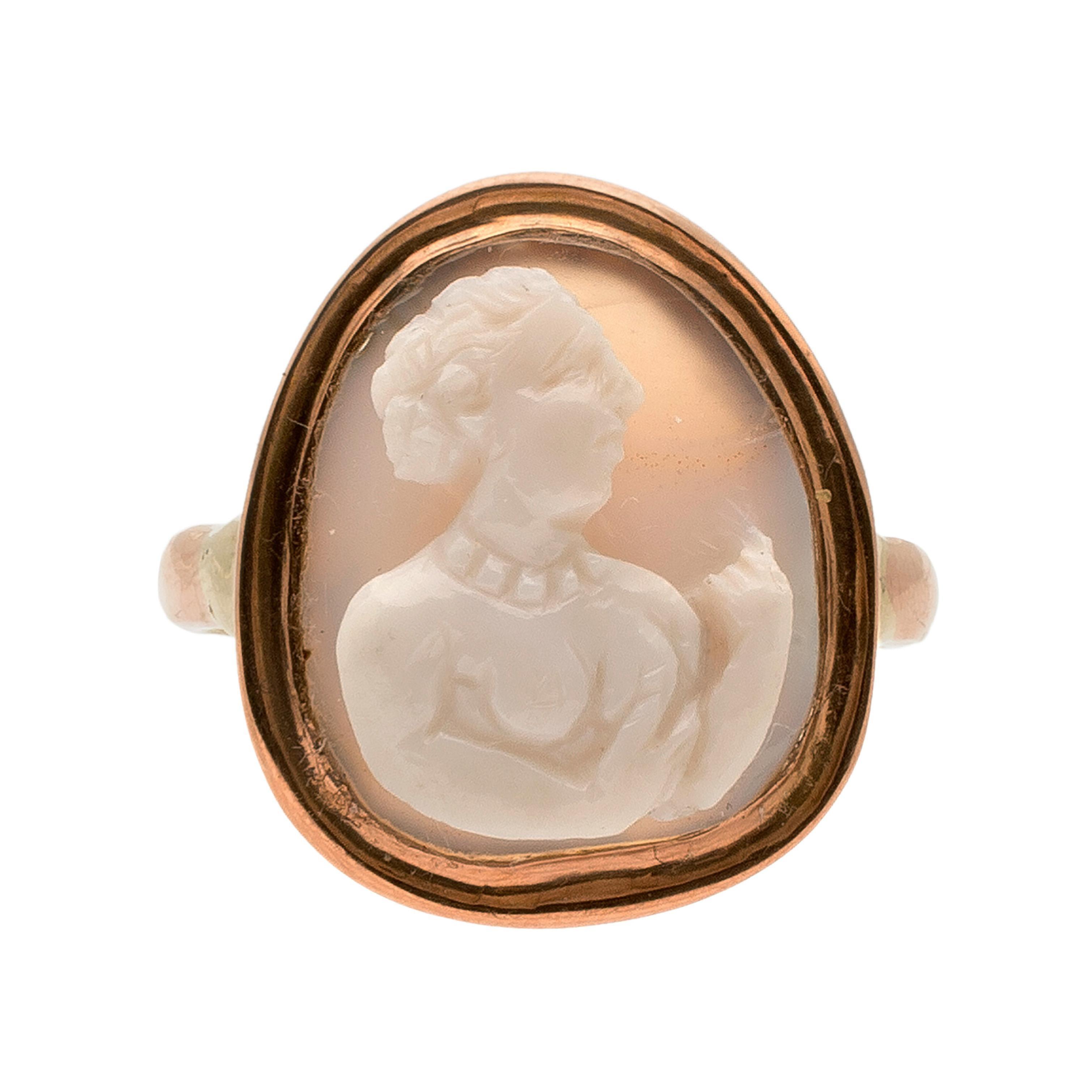 Antique Gold Italian Renaissance Cameo Ring