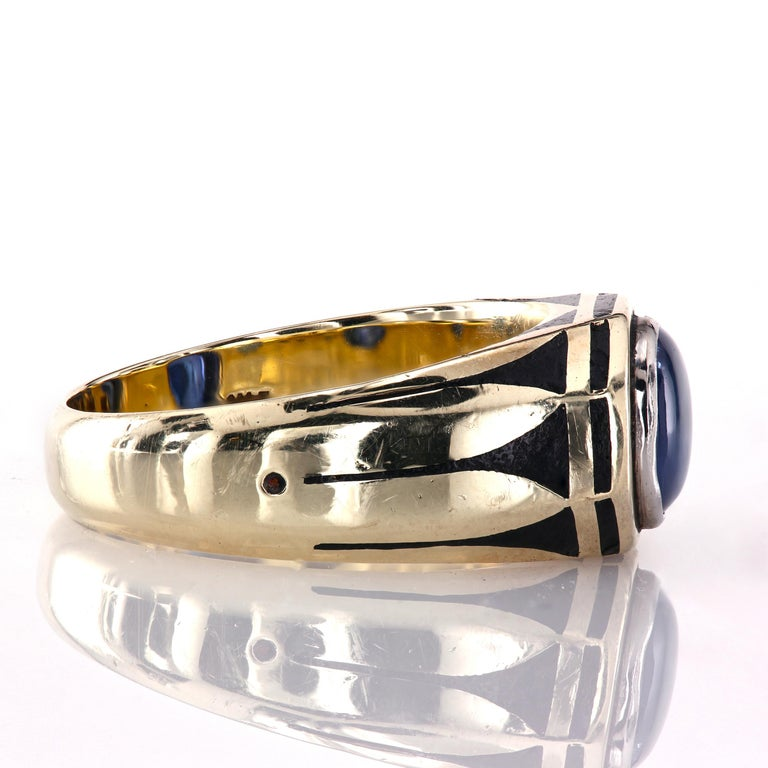 Contemporary Antique Gold Pinky Ring with Royal Blue Buffed-Top GIA Certified Sapphire For Sale